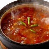 『熱熱セット』酸味と辛味の土鍋煮込みそば+ Hotman1秒タオル
