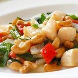 帆立貝とニラとカシューナッツの炒め