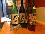 料理にあわせたお酒(焼酎、日本酒)を厳選しご用意しています。