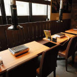 テーブル席【1~12名様まで】お仲間とのお食事に最適な使いやすいテーブル席