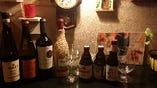ベルギービール3種、ワイン各種用意しています。