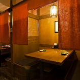 ソファ席 2名様 カーテンによって仕切られた半個室のお席。