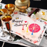 誕生日会など事前予約でサプライズ企画やお祝いプレート承ります