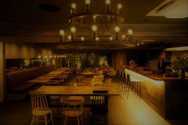 京の発酵イタリアンCAMOS カモス(旧:BANISTER KYOTO) 店内の画像