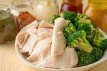 ブロッコリーと鶏胸肉