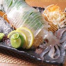 もつ鍋や泳ぎイカなど九州料理堪能!