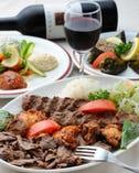 トルコ料理の定番 ケバブ盛り合わせ