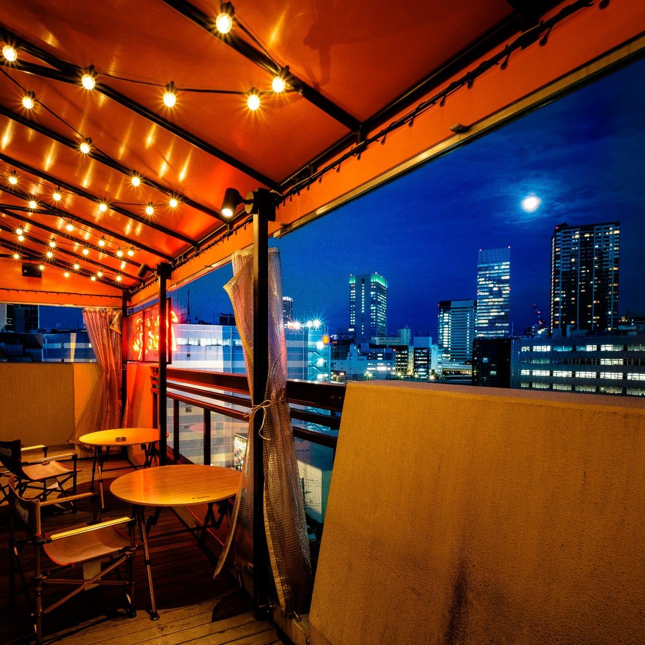 横浜の夜景を眺めて乾杯!人気テラス