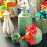 【中国酒】厳選された紹興酒を各種取り揃えております。