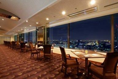 ホテル・アゴーラ大阪守口 ダイニング&バー シズリング 店内の画像