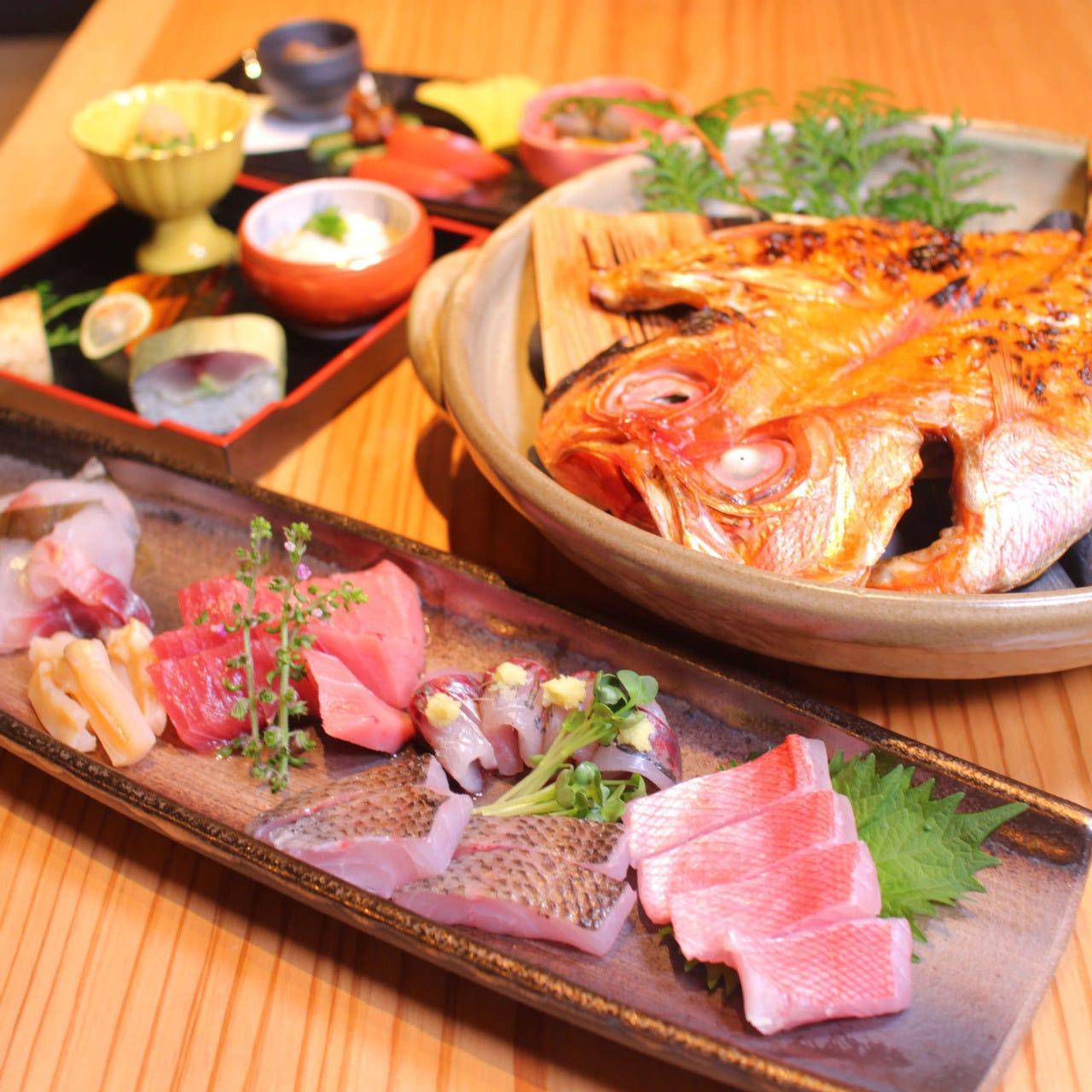 漁理長コース【活けアワビ蒸し刺盛 極上炭火焼き 季節料理寿司盛り込み 蕎麦 8品 お飲み物込み】