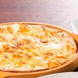 6種チーズのピザ