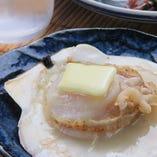 殻付き帆立のバター焼き