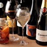 豊富なワイン、インスタ映え◎のフルーツジャーカクテル