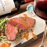ソムリエが厳選したこだわりのワインで愉しむ肉とのマリアージュ