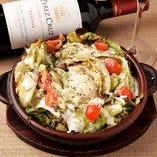 レタス丸ごとを使ったボリュームサラダで野菜もたっぷり摂れる♪