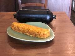 ダッチオーブンで焼く地黄卵の玉子焼