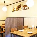 【テーブル席・4名様×5卓】シーンを選ばないテーブル席は飲み会にも家族利用にも◎