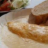 カマンベールチーズ入りオムレツ