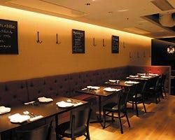 スペイン料理 La Cazuela 三ノ宮 ミント神戸店 店内の画像