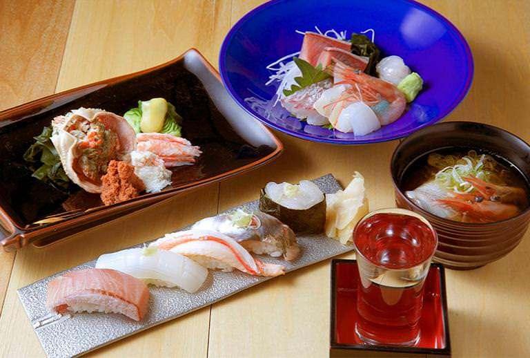 【一献セット】地魚鮨、地酒、富山らしい酒の肴を堪能できるセット