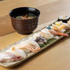厳選ネタを詰め込んだ【富山湾鮨 ー汁物付きー】ランチ時間にも提供中♪旬の食材を楽しみたい方にオススメ