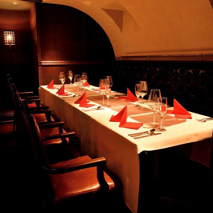 テーブル※側ソファ席・16名様まで