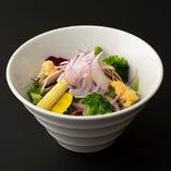 季節野菜のサラダ