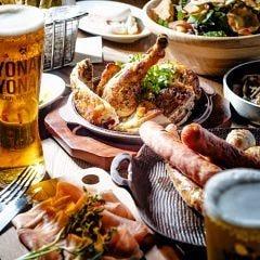 自慢の窯焼き料理とビールは最高!バリエーション豊かな前菜も!