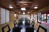 全室個室。テーブル席でも、普通のお座敷としてもご利用可能。