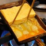 【逸品】 職人技で焼き上げる出汁巻き玉子は必食の一言