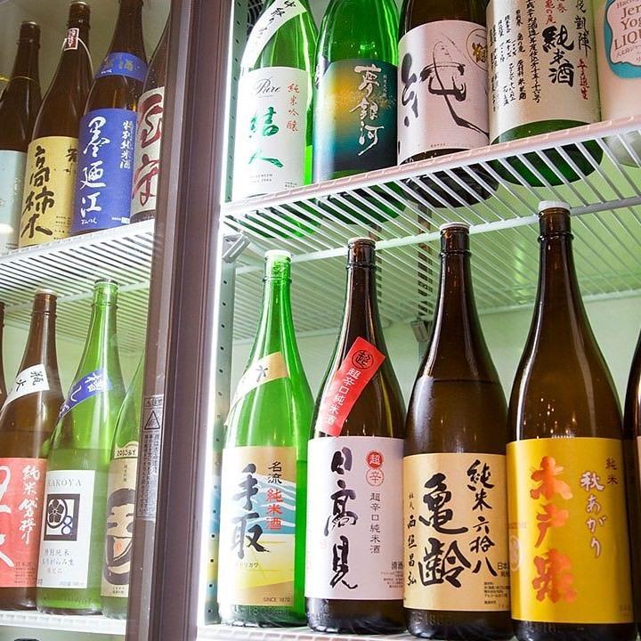 福岡の地酒から全国のものまで勢揃い