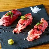 肉寿司3貫盛り