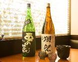 「自分の打つ蕎麦に合う味を」と、自らが選んだ日本酒を揃える。