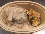 特製ハンバーグ ポルチーニ茸のクリームソース(豚牛合挽き160g)
