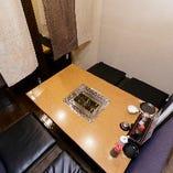 テーブル席半個室