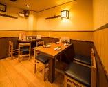 落ち着いた店内で、お食事とおしゃべりを楽しむのに最適!