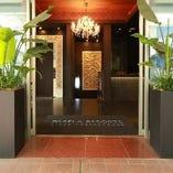 バリ島をコンセプトにした開放的でラグジュアリーな空間