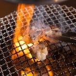 【炭火で焼肉宴会】 旨味をぎゅっと閉じ込めたお肉は脂まで美味