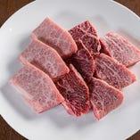 ぶ厚いお肉は食べ応え抜群!