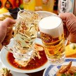 霧島鶏や新鮮野菜を使用した創作料理と名物ドリンクで乾杯!