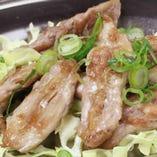 鶏セセリの鉄板焼き