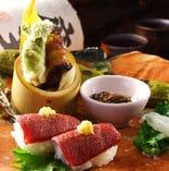 新鮮な魚介と季節の食材をふんだんに使用した贅沢なコースをご用意。たっぷり飲み放題も付いてご宴会をお楽しみいただけます