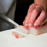 職人の丁寧な包丁さばきで、素材の味を最大限に引き出します