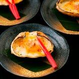 お料理はどれも職人の工夫溢れる逸品ばかり!和食をベースにした創作料理をお楽しみください。