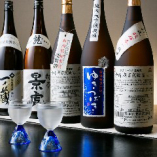 和食といえばやはり日本酒。【一徳】は創作料理に良く合う日本酒・焼酎を多彩にご用意しております。酒屋から直接入荷するため、珍しいお酒があることも。