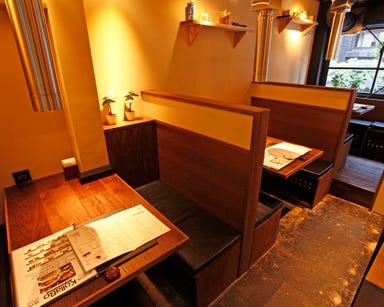 炭火焼肉・韓国料理 KollaBo (コラボ) 新橋店 店内の画像
