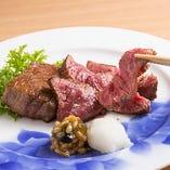 【日替わりメニュー】ジューシーな赤身肉のステーキなど、旬の食材を使用した逸品をご用意しております