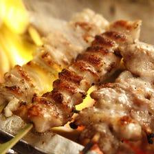 備長炭で焼く「国産ひな鶏の串焼き」
