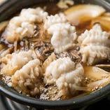 【穴すき・伝助鍋】 肌寒い季節にはお鍋もおすすめ。これをお出ししたくて、穴子屋を始めました